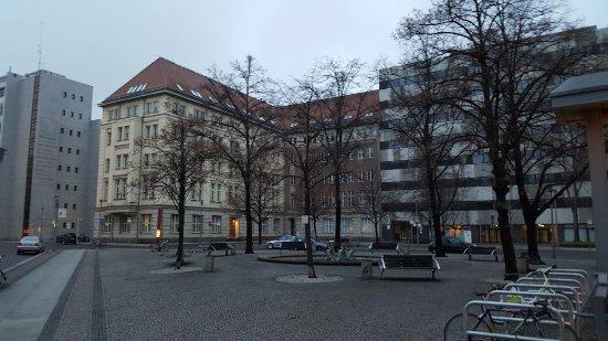 Historischer Brunnen auf dem Hausvogteiplatz