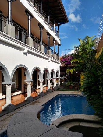 Hotel Colonial Resmi