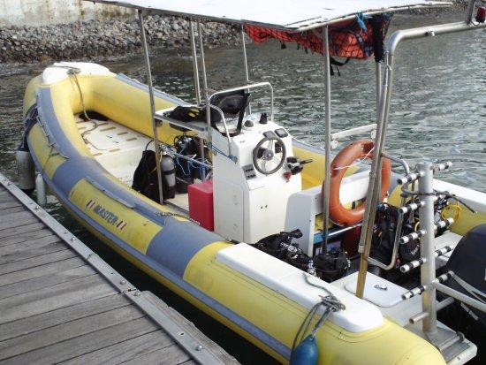 Calypso Plongée : Le bateau de Cyril avant le départ