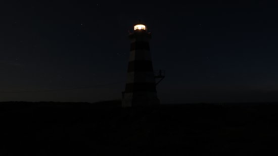 Westport, Kanada: View of the lighthouse at night