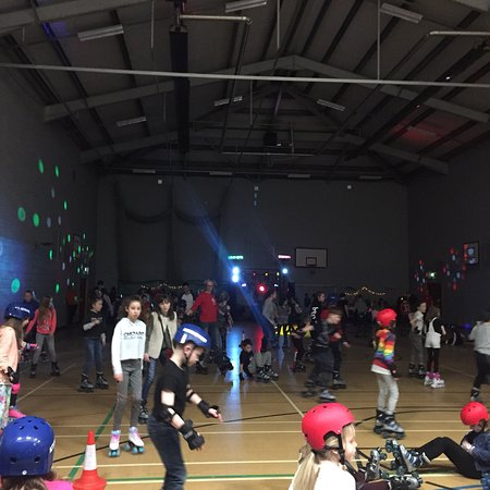 Bingley, UK: AJ's Roller Disco