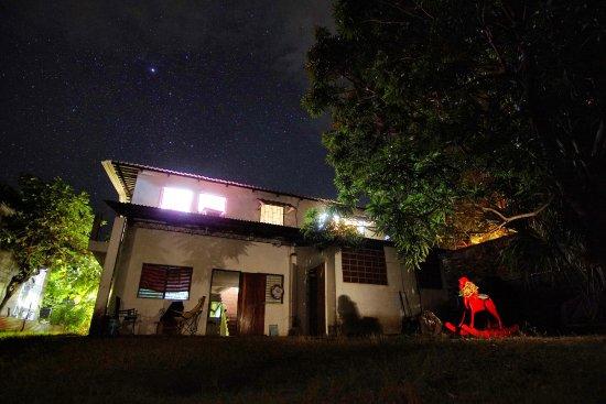 Entrada principal a Casa Coral (Los Cobanos)