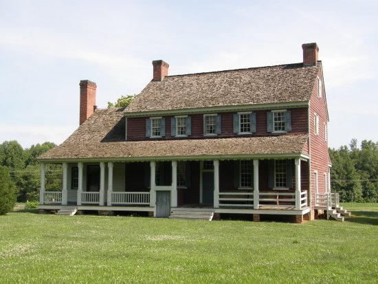 Fort Defiance, Lenoir, NC: William Lenoir's home, known as Fort Defiance, dates to 1792. Guided tours available.