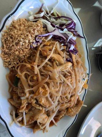 Royal Thai Cafe: Pad thai