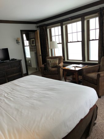 The Mountain Top Inn & Resort: Our room