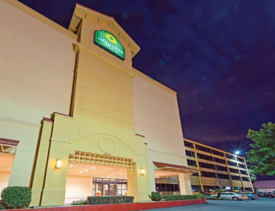 La Quinta Inn & Suites New Orleans Airport: Exterior