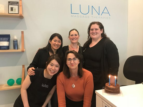 ‪LUNA Massage Therapies‬