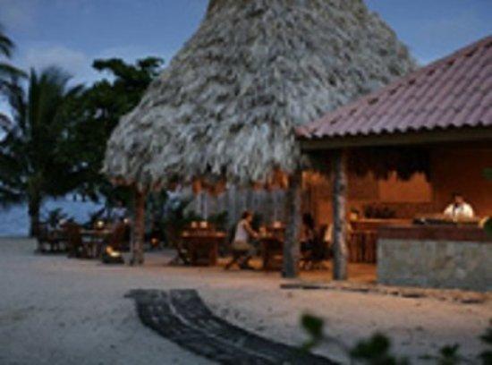 Turtle Inn: Exterior
