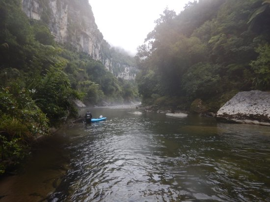 Punakaiki Canoes: Punakaiki river