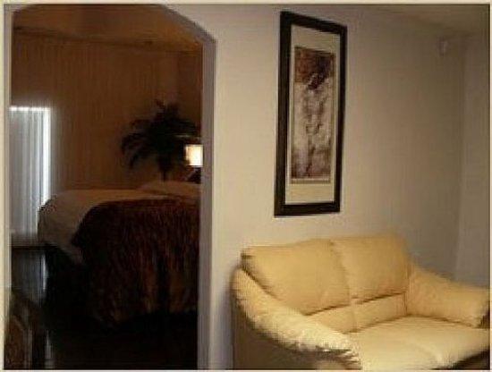 Hotel Kutuma: Guest room