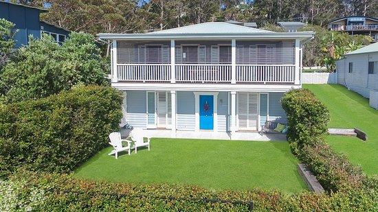 Hyams Beach, Australia: Your home away from home...
