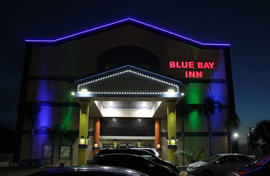 Blue Bay Inn & Suites: Exterior