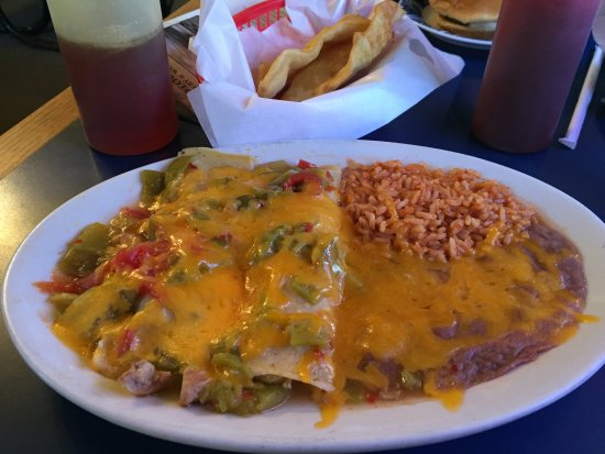 El Rito, NM: chicken enchiladas with green chile