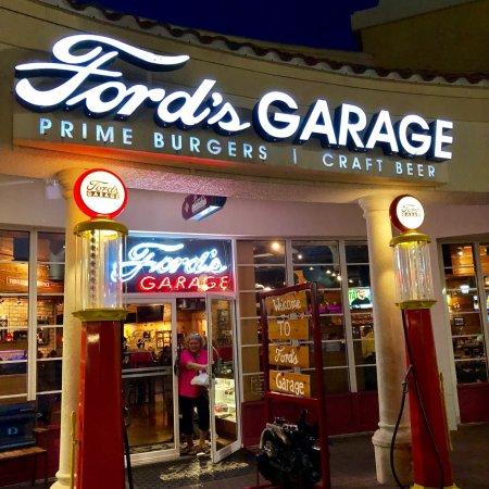 Ford 39 s garage estero restaurant bewertungen for Garage ford paris 11