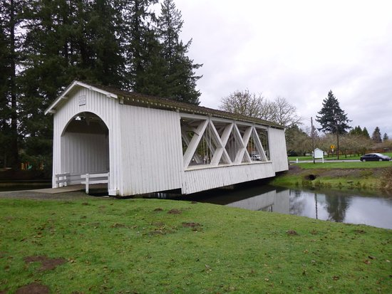 Stayton-Jordan Bridge at a side angle