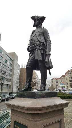 Hans Carl von Winterfeldt statue