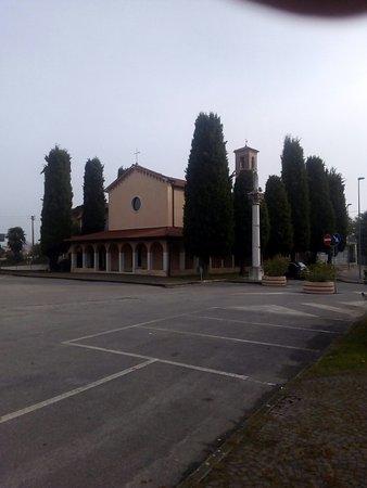 Nervesa della Battaglia, Italie : Monumento ai caduti della frazione di Bavaria di Nervesa