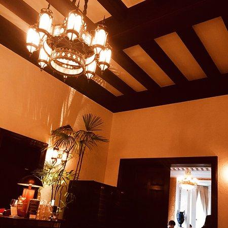 La maison kioi for Classic house akasaka