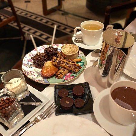Tea time with the best hot chocolate in paris - Photo de Prince de ...