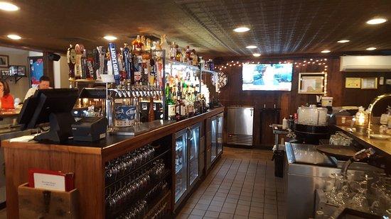 Maine Fish Market & Restaurant: Full Bar