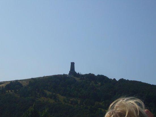 Shipka, Bulgaria: Вид на памятник русским солдатам
