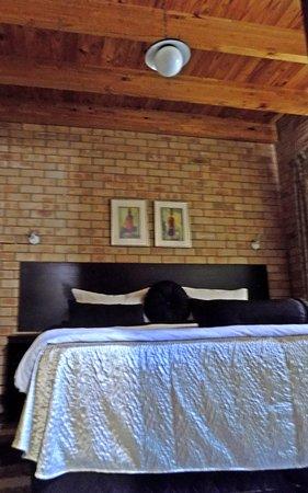Clarens Eddies: King size beds