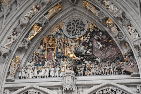 very detailed - Picture of Cathedral at Munsterplatz / St ...