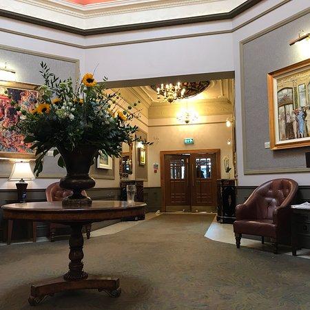 The Castlecourt Hotel: photo0.jpg
