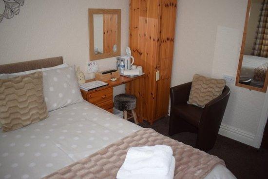 Grosvenor View - Guest House : Double en-suite