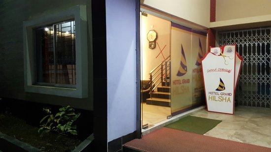 Hotel Grand Hilsha: 20180116_223059_large.jpg