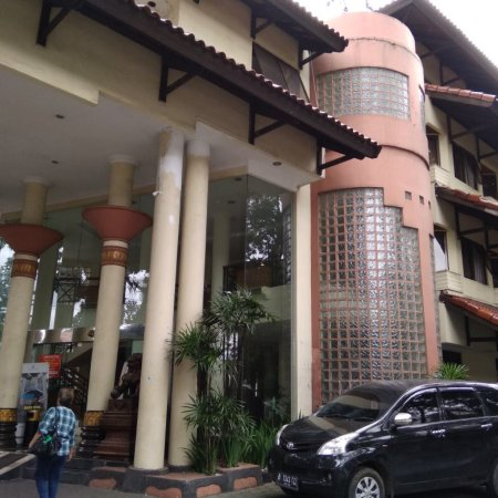 Imperium Hotel Bandung Review