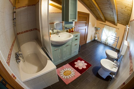 Trivignano Udinese, Italie : secondo bagno suite residence ecofriendly