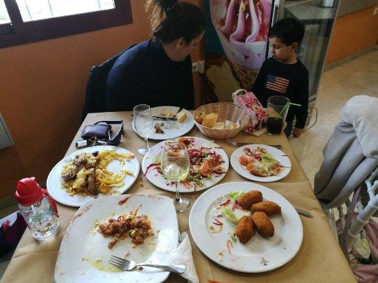 Albolote, Espagne : Comida buenísima, muy buen precio y trato muy agradable del personal.