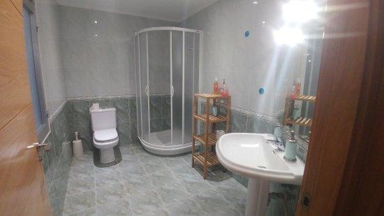 Banos San Sebastian.Bano Compartido Para Dos Habitaciones Picture Of Pension