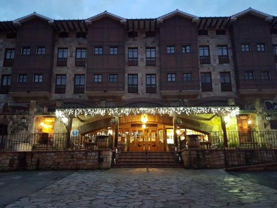 Infantado Hotel: Entrada principal