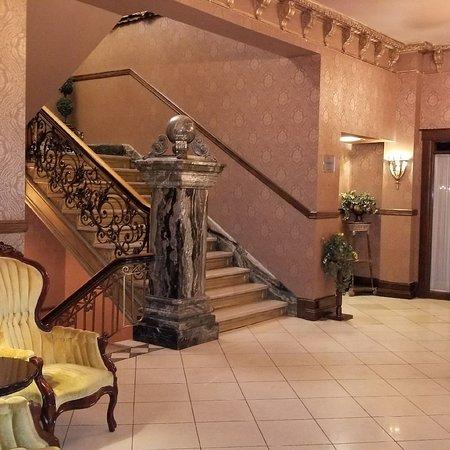 Hotel Senator Saskatoon Picture