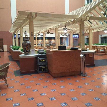 Holiday Inn Express Galerias San Jeronimo: photo1.jpg