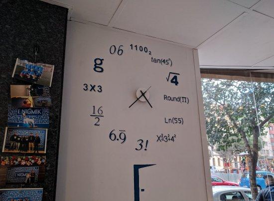 Enigmik: Saber la hora es el primer enigma... ;-)