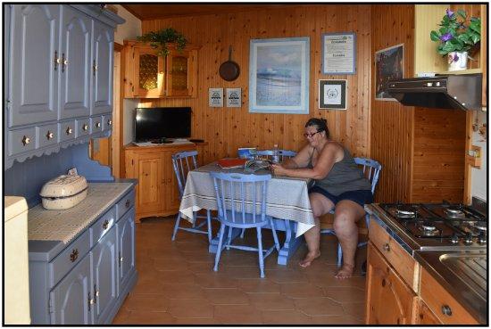 La Scogliera: Kitchen, Cargavu.