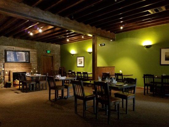 Sylvester, GA: dining room