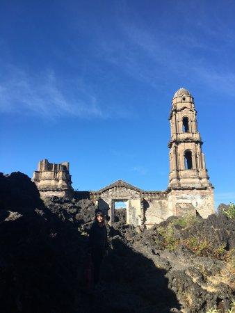 Paricutín Volcano : La iglesia de viejo San Juan increíble y un verdadero punto de referencia para hacer trekking