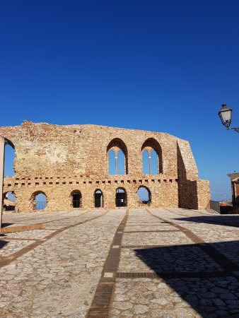 San Marco D'Alunzio, Italia: Castello