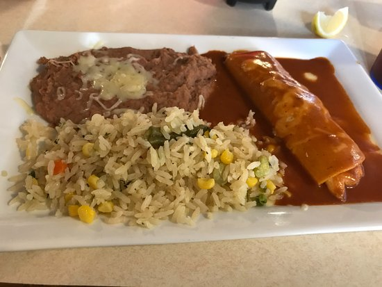 Moon Township, Pensilvanya: Grilled chicken Enchilada with cilantro rice & beans