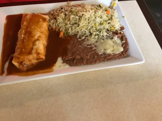Moon Township, Pensilvanya: Chicken Burrito with cilantro rice & beans