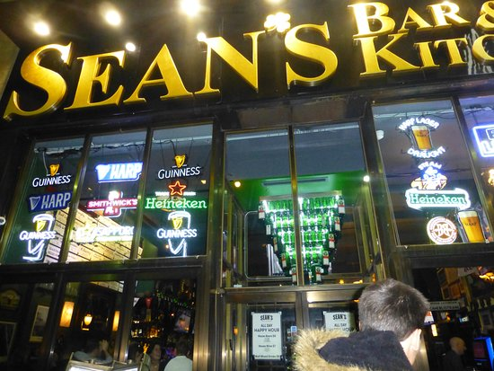 Sean S Bar And Kitchen La Entrada Por Calle 48
