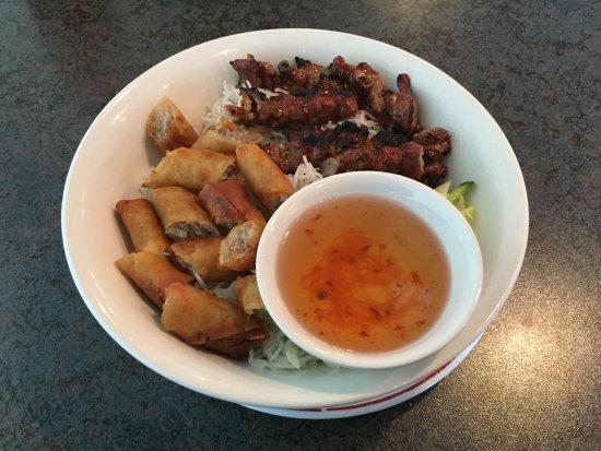 Pho 88: Bún thịt Nuong Cha Gio