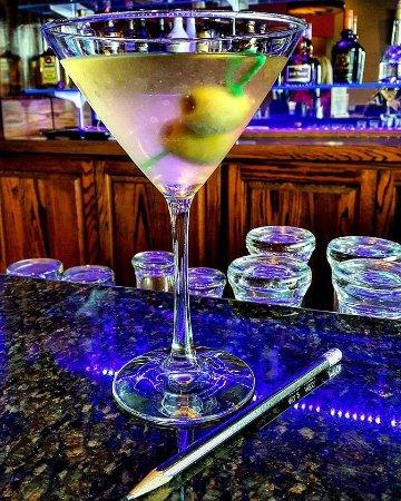 Hermitage, Пенсильвания: Love sitting at their bar, great drinks!