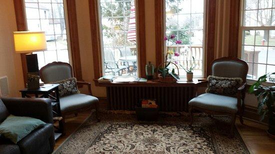 Ellis House Bed and Breakfast: 20180127_090416_large.jpg