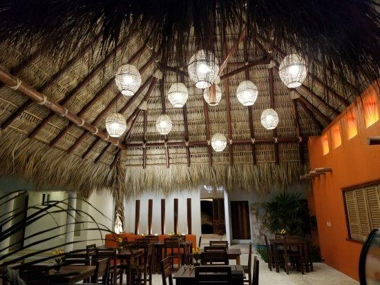 Restaurantde El Mare: Inside Ele Mare