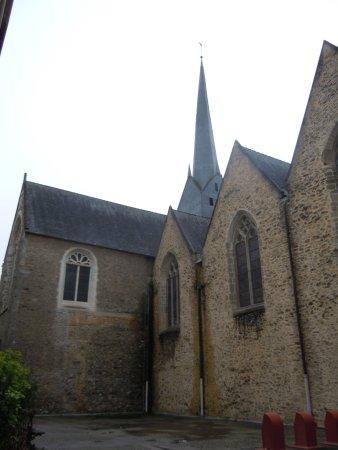 Eglise Saint Venerand: Latéral de l'église